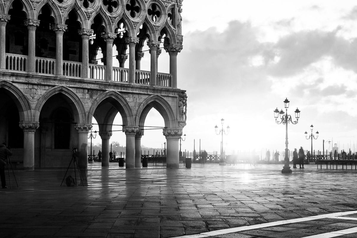Venedig: Marktplatz im Morgenlicht